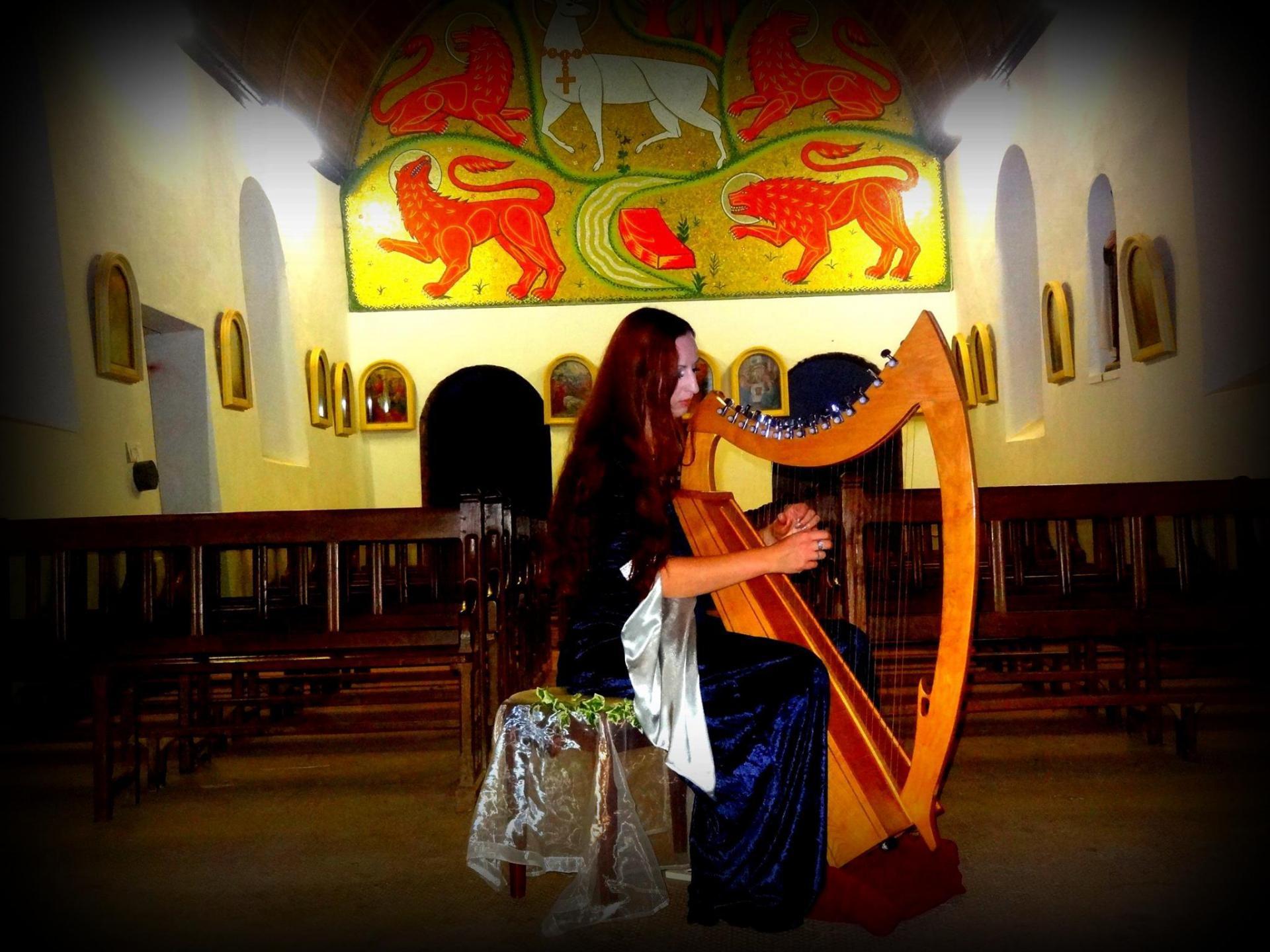 Concert dana feerique chant et harpe celtique
